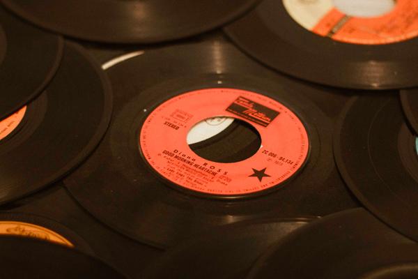 Choisir sa platine vinyles pour 45 tours, 33 tours ou 78 tours