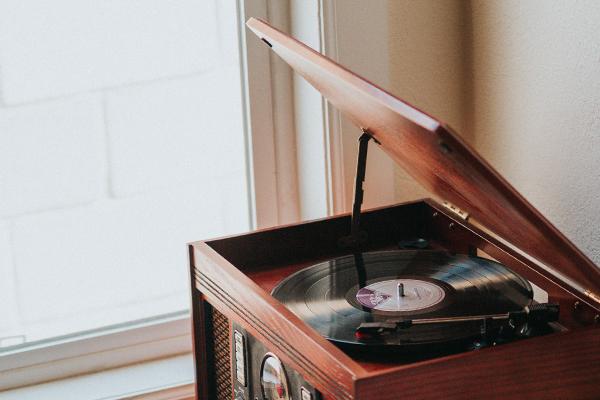 La platine vinyle comme objet de décoration